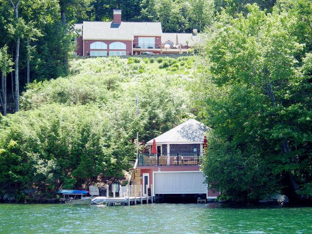 Single Family for Sale at 3 Wyanoke Gate Lane Wolfeboro, New Hampshire 03894 United States