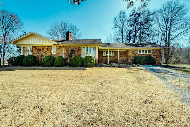 Single Family for Sale at 6595 Clay County Highway Celina, Tennessee 38551 United States
