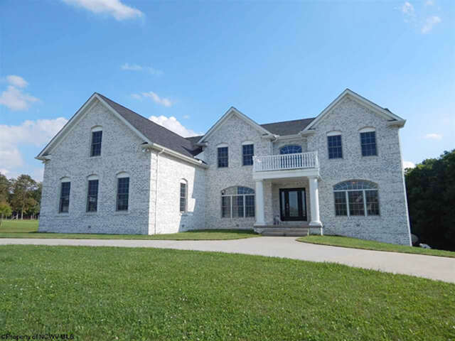 Single Family for Sale at 111 Lone Pine Drive Masontown, West Virginia 26542 United States