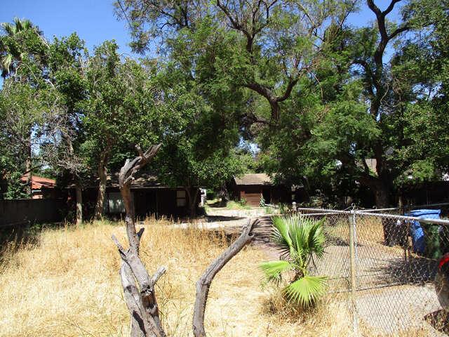 Single Family for Sale at 4929 Wheatland Avenue Sun Valley, California 91352 United States
