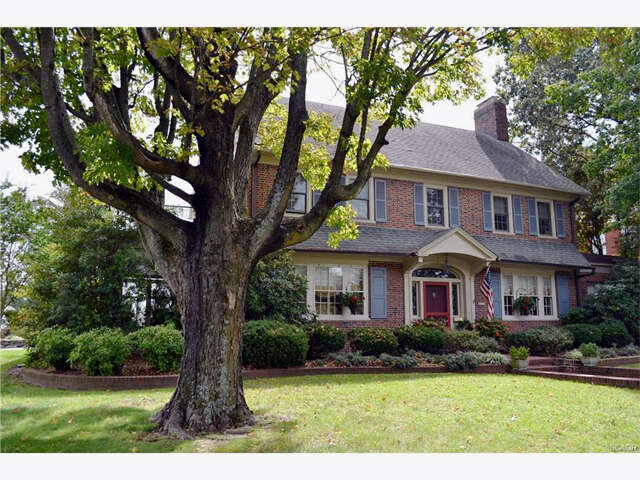 Single Family for Sale at 300 Lakeview Ave Milford, Delaware 19963 United States