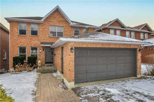 Featured Property in Aurora, ON L4G 4R7