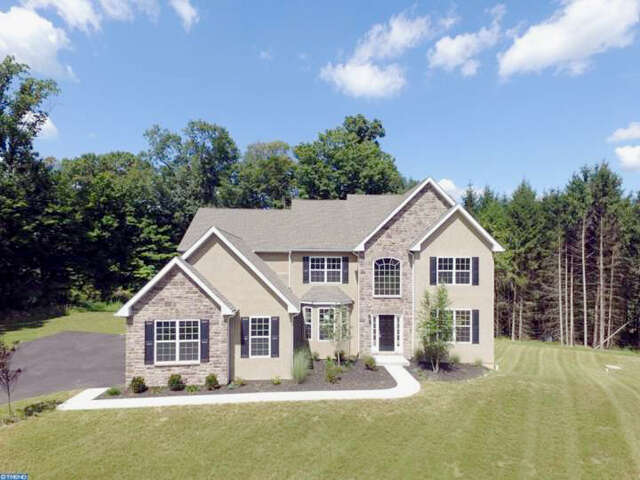 Single Family for Sale at 1203 Evergreen Rd Riegelsville, Pennsylvania 18077 United States