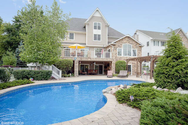 Single Family for Sale at 1298 Old Bay Road Johnsburg, Illinois 60051 United States