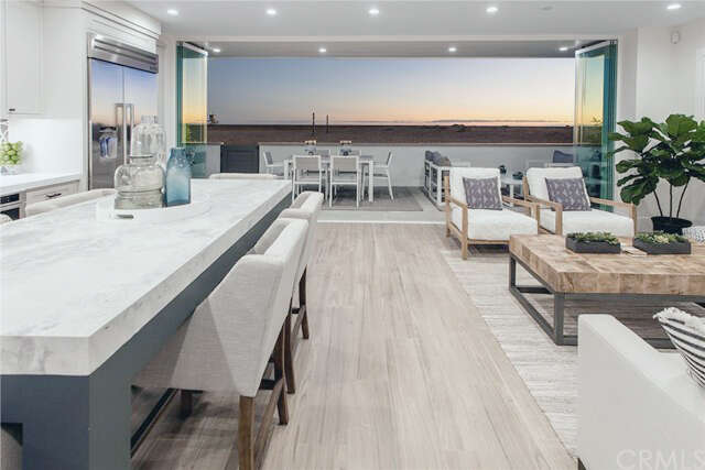 Single Family for Sale at 614 W Oceanfront Newport Beach, California 92661 United States