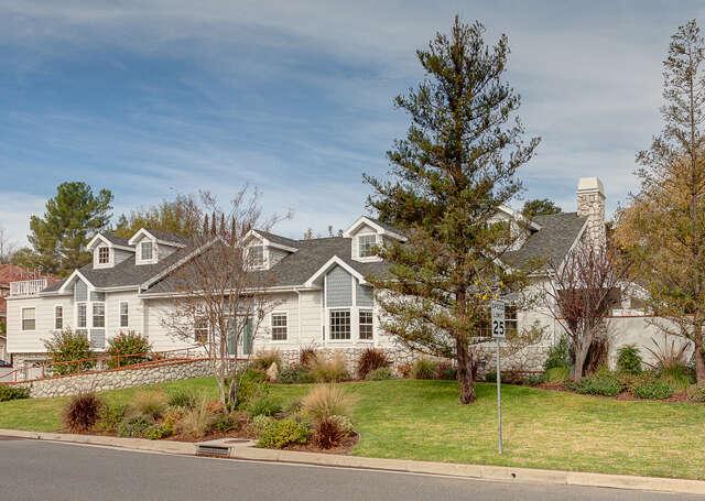 Single Family for Sale at 1013 Lavender Lane La Canada Flintridge, California 91011 United States