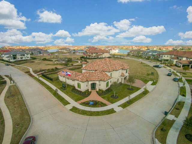 Single Family for Sale at 7 Haven Shore Lane Sugar Land, Texas 77479 United States