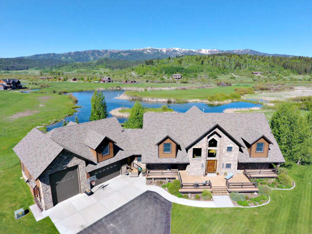 Single Family for Sale at 250 Willow Lake Drive Alpine, Wyoming 83128 United States