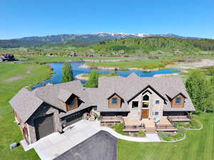 Featured Property in Alpine, WY 83128