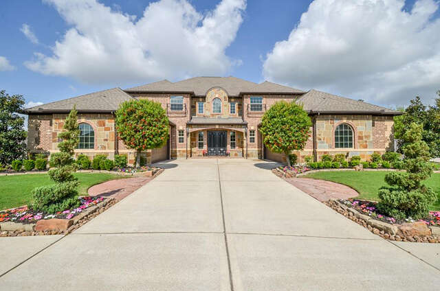 Single Family for Sale at 5021 Vista Blue Lane Sugar Land, Texas 77479 United States