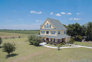 Featured Property in Atascosa, TX 78002