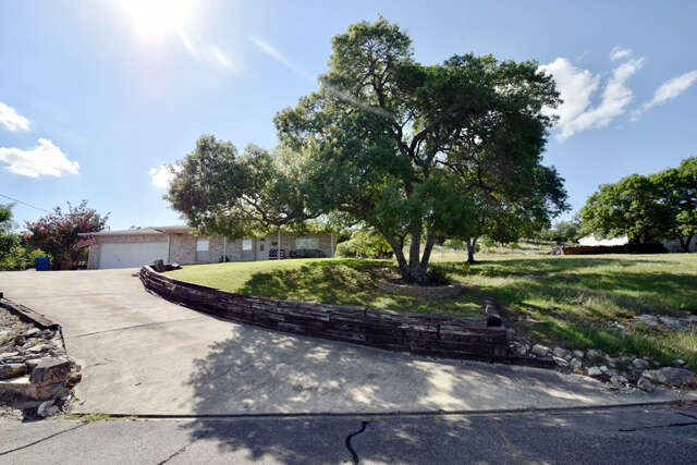 Real Estate for Sale, ListingId:46754702, location: 141 Holly Hill Dr Kerrville 78028