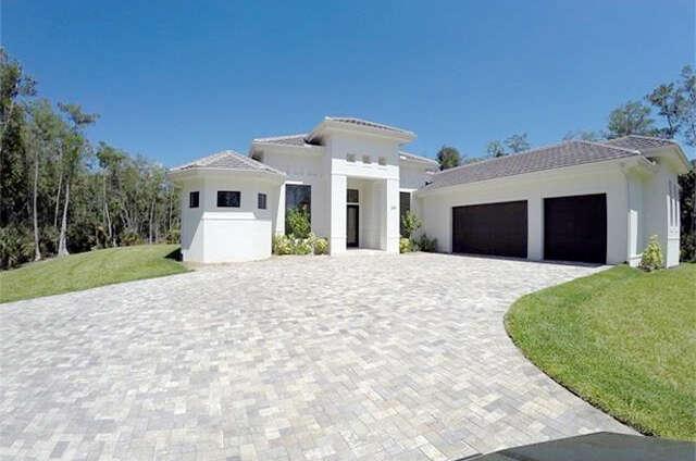 Single Family for Sale at 234 Logan Blvd N Naples, Florida 34119 United States
