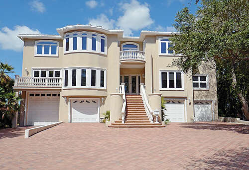 Single Family for Sale at 1800 Park Street N St. Petersburg, Florida 33710 United States