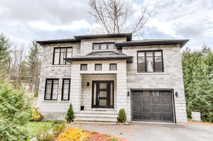 Featured Property in Cantley, QC