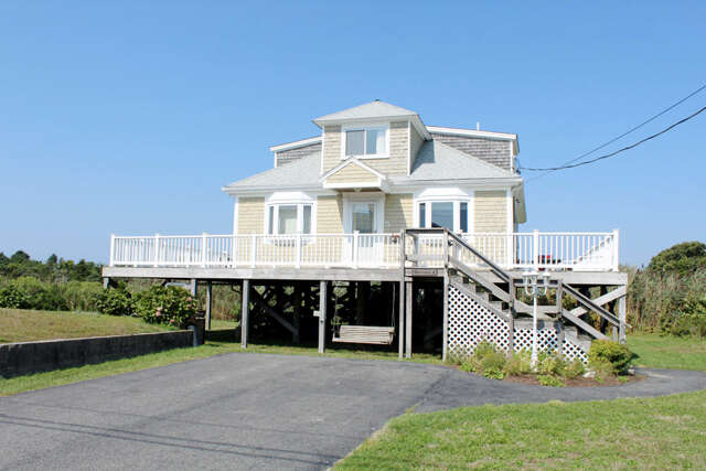 Single Family for Sale at 5 New Hampshire Avenue West Yarmouth, Massachusetts 02673 United States