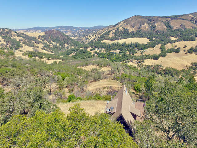 Single Family for Sale at 21100 Pocket Ranch Road Geyserville, California 95441 United States