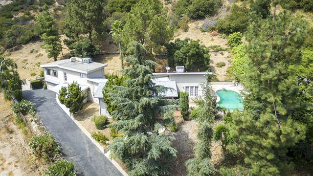 Single Family for Sale at 5249 Escalante Drive La Canada Flintridge, California 91011 United States
