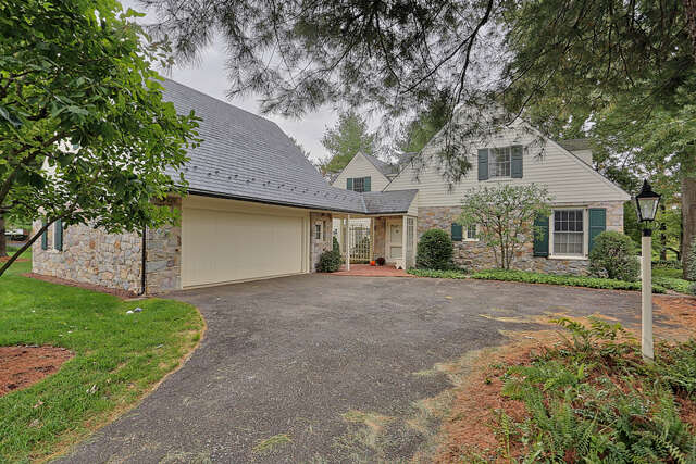 Single Family for Sale at 708 Bent Creek Drive Lititz, Pennsylvania 17543 United States