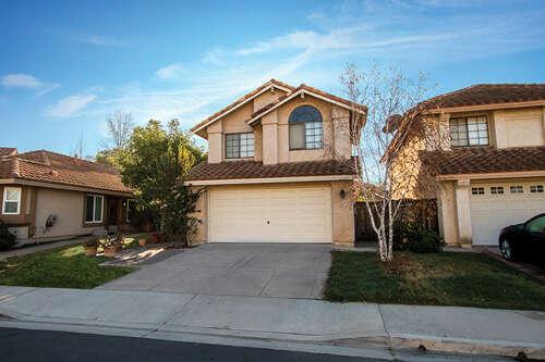 Single Family for Sale at 4 Via Zapador Rancho Santa Margarita, California 92688 United States