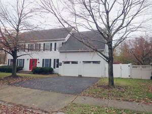 Featured Property in Belford, NJ 07718