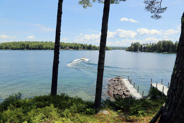 Single Family for Sale at 112 Hopewell Rd Alton, New Hampshire 03809 United States