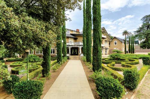 Single Family for Sale at 565 Walnut Avenue Redlands, California 92373 United States