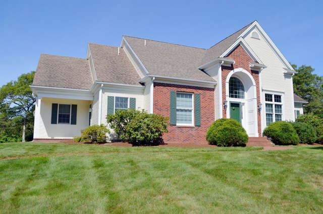 Single Family for Sale at 40 Weatherdeck Drive Bourne, Massachusetts 02532 United States