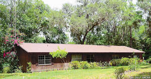 Featured Property in Hawthorne, FL 32640