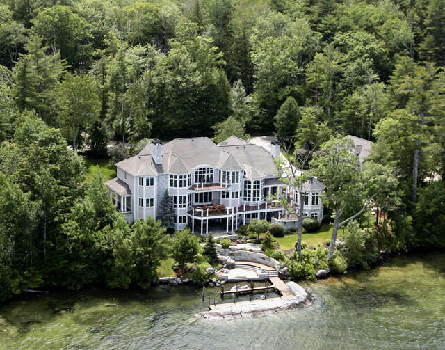 Single Family for Sale at 520 Edgewater Drive Gilford, New Hampshire 03249 United States