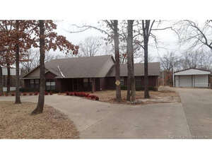 Featured Property in Kingston, OK 73439