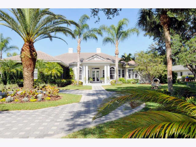 Single Family for Sale at 464 E Macewen Drive Osprey, Florida 34229 United States