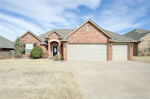 Featured Property in Moore, OK 73160