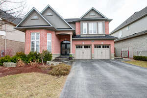 Featured Property in Burlington, ON L7M 4X2