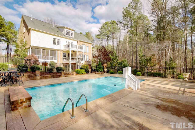 Single Family for Sale at 3205 Mossy Ridge Court Raleigh, North Carolina 27613 United States