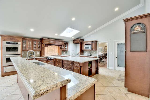 Single Family for Sale at 2644 Knob Hill Drive Santa Rosa, California 95404 United States