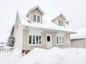 Featured Property in Gatineau, QC J8M 2W8