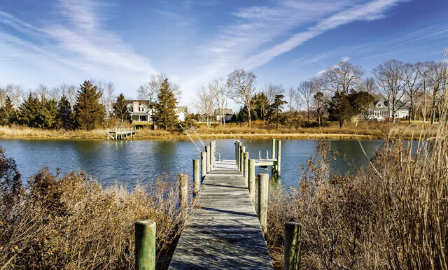 Single Family for Sale at 1775 Indian Neck Lane Peconic, New York 11958 United States