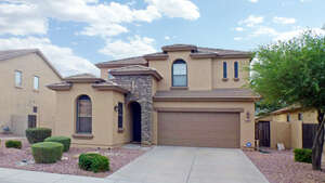 Featured Property in Gilbert, AZ 85298