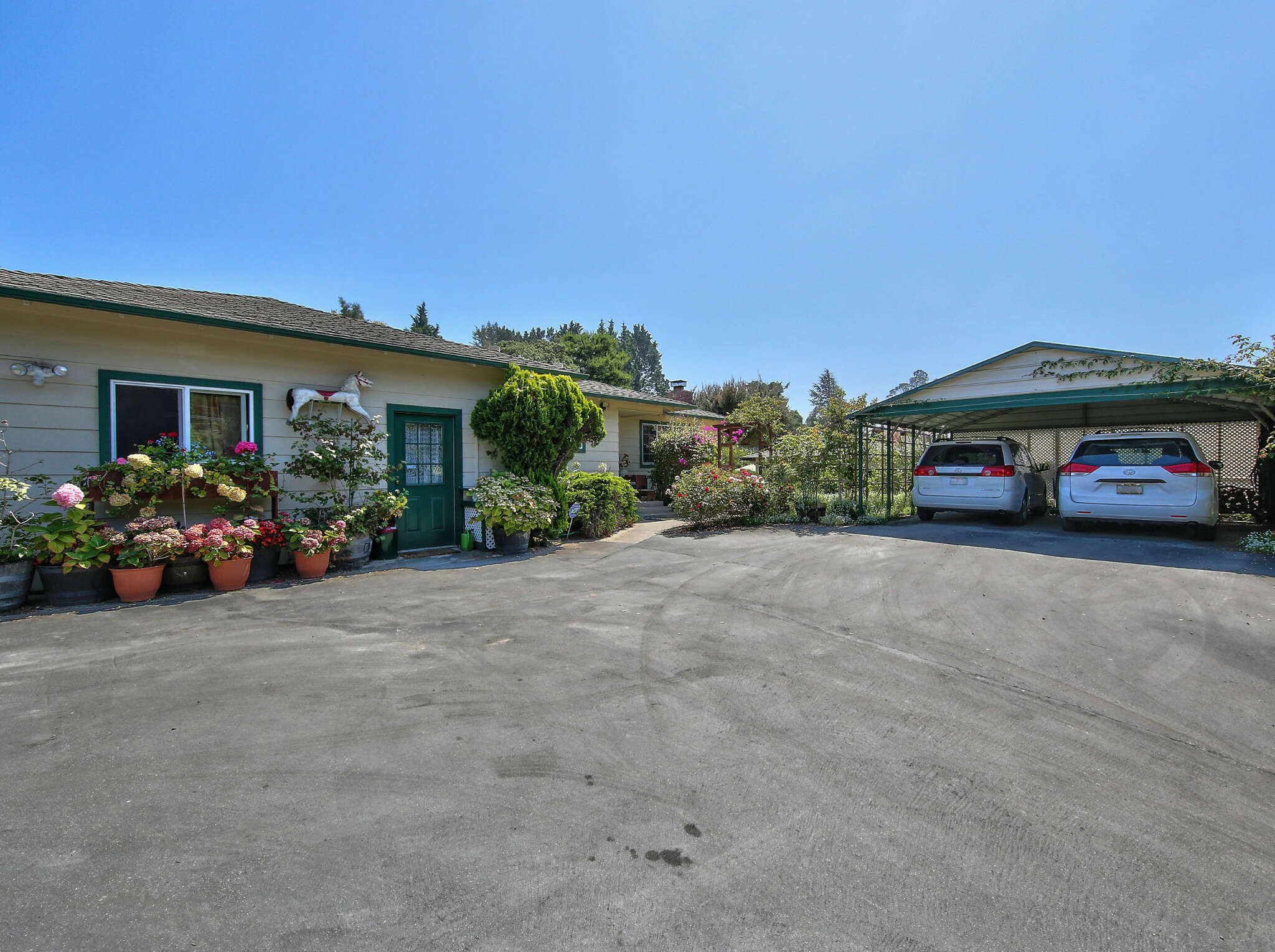 Single Family for Sale at 7559 Langley Canyon Rd. Salinas, California 93907 United States