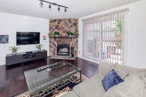 Featured Property in Calgary, AB T3B 2M3