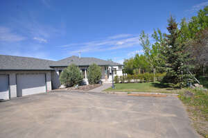 Featured Property in Lacombe, AB T4L 1C3