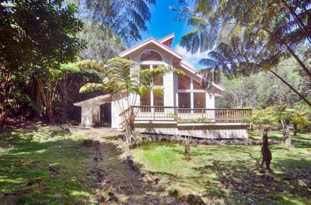 Featured Property in VOLCANO, HI, 96785