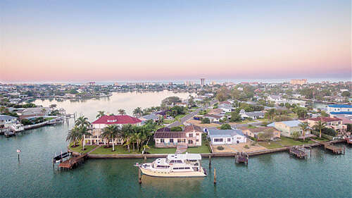 Single Family for Sale at 338 176 Avenue Circle Redington Shores, Florida 33708 United States