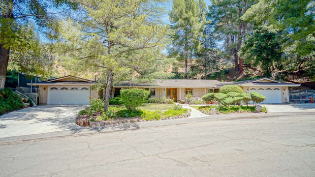 Single Family for Sale at 15715 Beaver Run Road Canyon Country, California 91387 United States