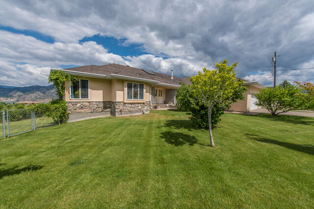 Featured Property in KALEDEN, BC,
