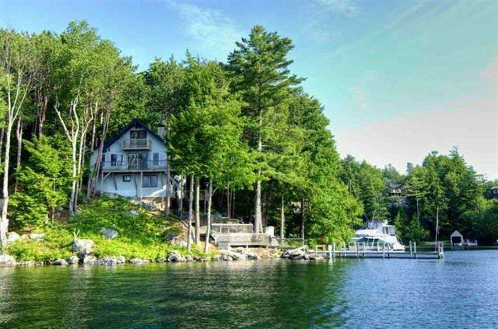 Single Family for Sale at 14 Mill Cove Road Alton, New Hampshire 03809 United States