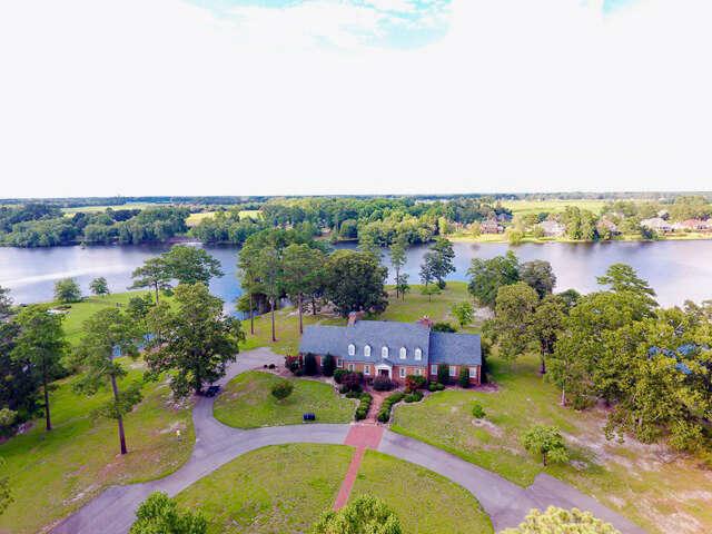 Resort / Waterfront for Sale at 631 Lake Shore Dr Goldsboro, North Carolina 27534 United States