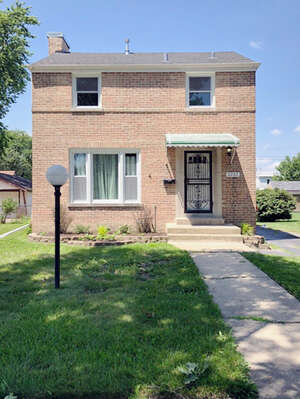Featured Property in Broadview, IL 60155