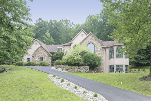 Single Family for Sale at 1870 Augusta Drive Center Valley, Pennsylvania 18034 United States